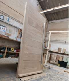 Oak Door with Horizontal Boards & 20mm Insulation